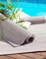 <b>UTETEPPER:</b> Det finnes egne tepper som er spesiallaget for å tåle alt det utsettes for utendørs. Dette er Benton fra InHouse.