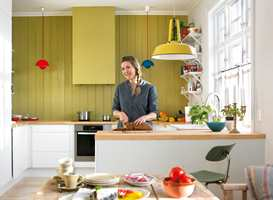 En sprek farge på kjøkkenet utgjør et morsomt blikkfang.
