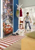 Cars på døren er et godt kompromiss når foreldrene helst vil unngå tema på veggene. Foto fra Fantasi Interiør.