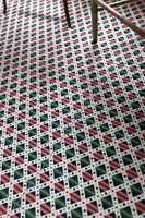 På den tiden hadde man et helt annet forhold til sterke farger og prangende mønstre.