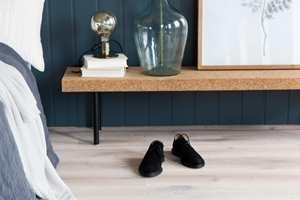 Med sin naturlige overflate er tregulvet Heritage Eik Limestone et fantastisk gulv å sette føttene på.