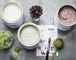 De to basisfargene Keramik og Agave, kan fint kombineres med aksentfargen Slipsten.