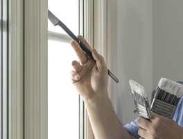 De fleste har skjønt at det er viktig å vaske før du maler fasaden utendørs. Innendørs er det akkurat like viktig å gjøre rent først. Bare mye enklere!