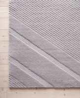 <b>SKISPOR:</b> Mønsteret i snøen som dannes da preppemaskinen lager skispor kan du nu ta inn i stuevarmen.
