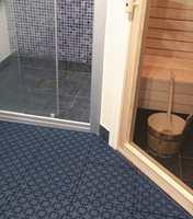 Gulvene kan også brukes innendørs. Her ser du Hestra.