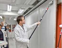 Før en ny malepensel begynner å selges i butikken har den gått gjennom flere ledd med utvikling og vurdering. Kvalitetsleverandøren Jordan tar hjelp av profesjonelle malere når de tar frem nytt verktøy.