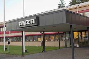 Ved fabrikken i Sverige produseres både pensler og maleruller til blant andre varemerkene Jordan og Anza.