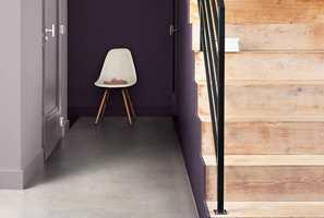 <b>BLANK:</b> Blanke lister mot matte vegger i samme farge gir et moderne uttrykk.