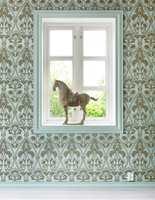 <b>TAPET:</b> Listen blir ett med veggen malt i tapetets bunnfarge.