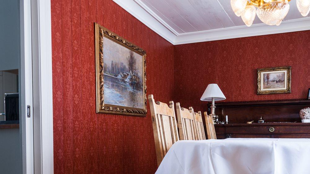 321e0a95 Farge på veggene løfter kunsten - Fargesetting innvendig - ifi.no