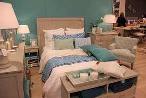 Toner av turkis og blått, i kombinasjon med naturmaterialer, kan man sove i.