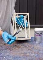 <b>GRUNN:</b> Bruk en grunning som passer sammen med malingen du velger. (Foto: Chera Westman/ifi.no)