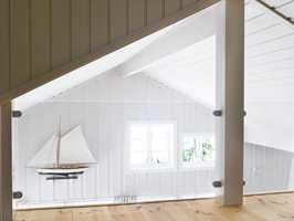 En flott hems med glassvegger lar lyset spre seg.
