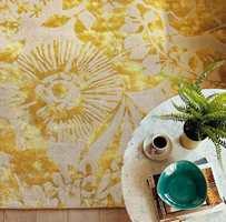 <b>TEPPE:</b> Et mønstret teppe blir som et fint maleri på gulvet. Det demper lyd, er mykt å gå på og fint å se på, så her er det positiv energi for alle sanser. Teppet Coquette fra Harlequin føres av Tapethuset.