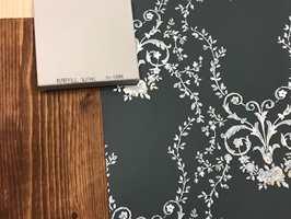 <b>SKOGEN:</b> Skogshytta kan være lun og varm, med elementer i brune toner, og gjerne med tapet på veggen.