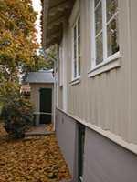 Grunnmuren bør ha en mørkere farge enn fasaden.