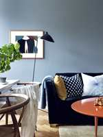 Kontrastfarger har evnen til å fremheve hverandre. For eksempel kan en dristig detalj i knall oransje mot en blågrønn vegg være det lille som gjør at veggen står enda vakrere frem. Her er en oversikt over kontrastfargene.