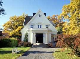 Ta vare på det gamle huset<br/><a href='https://www.ifi.no//pa-tide-a-male-huset'>Klikk her for å åpne artikkelen: På tide å male huset?</a>