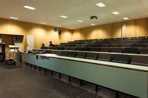 Auditoriet er bygget for å tilfredsstille alle tekniske og akustiske krav.