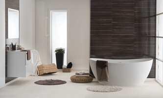 Stilige rammer med veggplater fra kolleksjonen Marcato, i designene Grand Piano og Athen White.