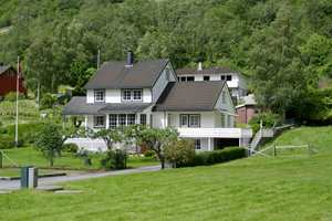 <b>ØYNE:</b> Det heter seg at vinduene er husets øyne. De blir tydeligere når de markeres.