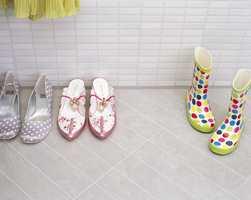 Med et keramisk gulv, trenger du ikke å være redd våte sko skal ødelegge gulvet.