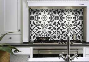 <b>BLIKKFANG:</b> «Halvmeteren» på kjøkkenet kan bli husets estetiske midtpunkt, sier Henrik Andersson hos Golvabia.