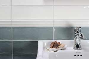 <b>BLANKT:</b> Bestem deg for om du ønsker matte eller blanke fliser. De har begge sine fordeler.