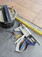 Anbefal riktig verktøy og limprodukter til utebruk.