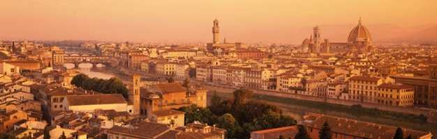 Drøm deg bort til Firenze med dette vakre tapetet på veggen! Tapetet heter Florence.