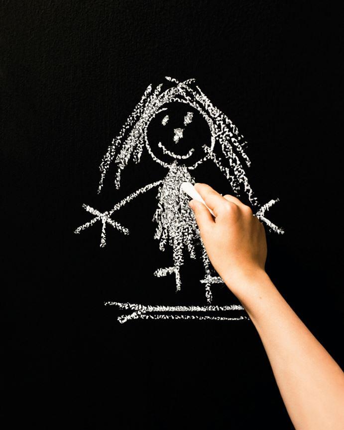 Lek med maling på barnerommet   ifi.no