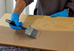 <b>FLYTT RUNDT:</b> Mal en planke eller plate som kan flyttes rundt i rommet i den fargen du vurderer.