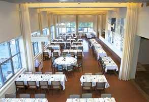 Restauranten sett fra mesanin-etasjen.