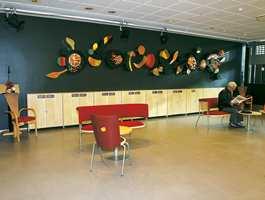 Fra biblioteket: Korkgulvet Wicanders produseres nå i Portugal, verdens ledende korkland. Det er Storeys som fører produktene her i landet.