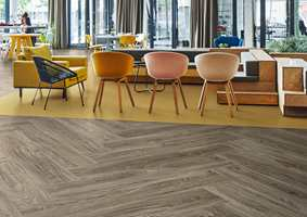 Stein som ikke knuses, metall som ikke ruster, tre som ikke sprekker og krymper og glass som ikke skjærer, kjennetegner designene i Forbo Floorings kolleksjon med designvinylfliser – Allura LVT.