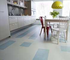 Linoleum er et slitesterkt gulvmateriale som har blitt populært igjen i nordiske hjem.