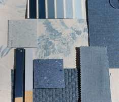 <b>TON-I-TON:</b> Se fargene sammen med de andre materialene som skal inn i kjøkkenet. Her er det ulike nyanser av fargen på kjøkkeninnredningen, og gulv, tapet og tekstiler med ulike overflater.