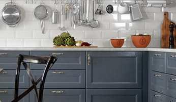 Nå ønsker vi mer farger hjemme, og kjøkkenet er ikke noe unntak. Men hvilke farger passer sammen?