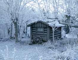 Tenk så kjipt – å glede seg til å skulle åpne hytta eller campingvognen for sesongen, bare for å oppdage at vannrørene har frosset i vinterkulden! Akkurat DET gjør man vel bare en gang?