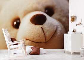 Trygt og godt med en stor teddy til å passe på. Motivet er fra Astex.