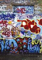 Kanskje bedre at mor og far kan henge grafitti på veggen enn at ungdommene sprayer det selv? Motivet  kommer fra Inspirasjon Import.