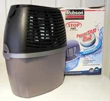 <b>TAR BORT FUKT:</b> Fuktslukeren fra Henkel sørger for at fukten i rommet reduseres. Den kan settes på badet, i kjelleren eller på hytta.