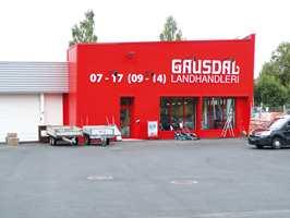 <b>MODERNE «KRAMBU»:</b> I gamle dager solgte Gausdal Landhandleri alt. I dag er de spesialister på byggevarer og oppussingsprodukter.