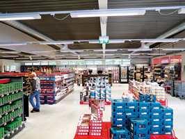 <b>KUNDENE BESTEMMER:</b> − Siden kjeden eier butikkene, kan vi raskt gjøre lokale tilpasninger. Kunder i Gudbrandsdalen har andre behov enn folk på Jessheim, sier markedssjefen.