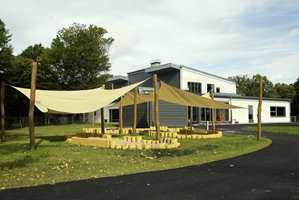 Barnehagen ligger idyllisk til ved sjøen utenfor Stavern.