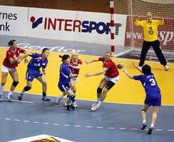 God håndball krever godt gulv, slik at både beina og ballen går slik de skal.