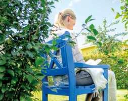 Nå er det på tide å finne fram pensler, ruller og malingspann og sette farge på utemiljøet.
