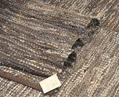 Filleryer kan lages av mange materialer - som rester i skinn fra veskeproduksjon, gamle olabukser eller flettede filler fra T-skjorter. Brunt er en av høstens farger. Disse blir importert av Lama A/S.