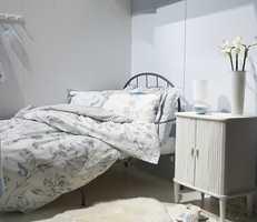 Sov søtt og drøm romantiske drømmer. Sengetøy med vakkert blomstermotiv fra Nordisk Tekstil som forhandles i Norge av Hang & Forco AS. Foto: Kristian Owren/ifi.no