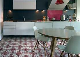 Gulvet er kjøkkenets mest brukte del. Derfor skal du starte fra bunnen når du planlegger det nye kjøkkenet ditt.